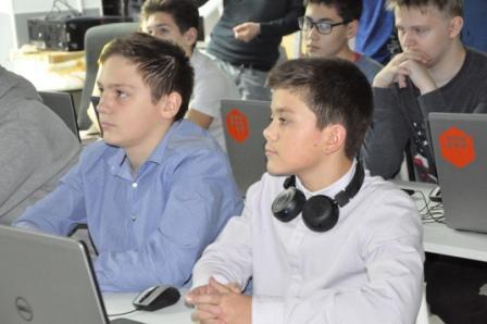 В лаборатории «Фаблаб-Норильск» началась работа над проектом «Бионика».