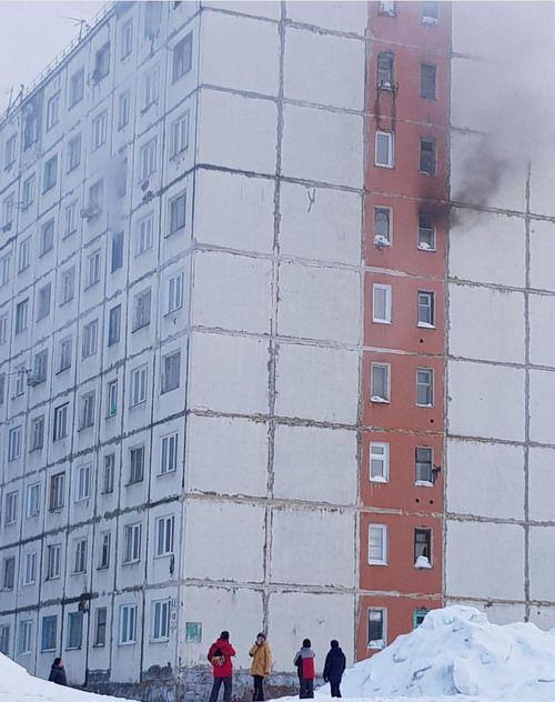 В Норильске произошли пожары в двух домах гостиничного типа.