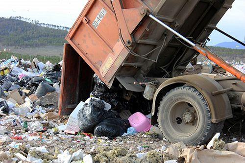 Сегодня в Норильск прилетели руководители Фонда регионального оператора по утилизации мусора для определения фронта работ и заключения договоров с подрядчиками.