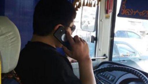 Водителя маршрутки за разговор по мобильному телефону во время движения автобуса наказали рублем.
