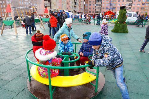 В Оганере открыли новую детскую игровую площадку. Торжественное открытие игровой зоны в районе ул. Озерной, 15а, состоялось в минувшую субботу.