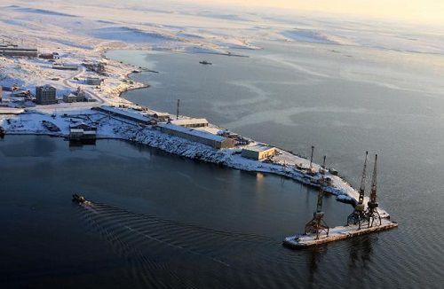В морском порту Диксон в спасательную службу привлекались не обученные и не аттестованные в установленном порядке спасатели.
