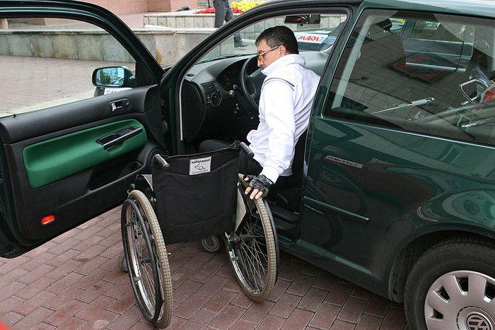 Жители Норильска с нарушением опорно-двигательного аппарата могут воспользоваться компенсацией расходов на обучение вождению.
