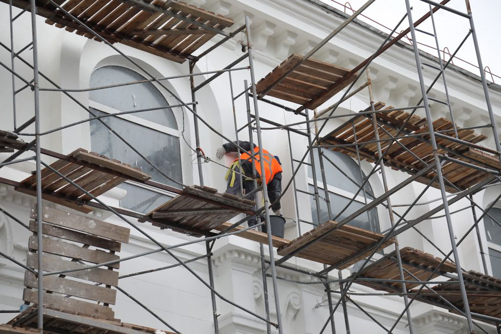 Девять норильских организаций входят в краевой реестр квалифицированных подрядчиков, которым можно доверить капитальные ремонты жилых домов.