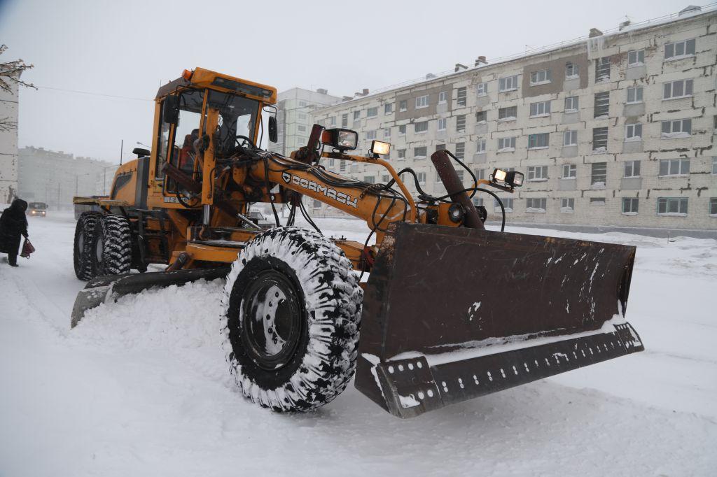 Законодательство Красноярского края разрешает в ночное время снегоуборку и ремонт дорог.