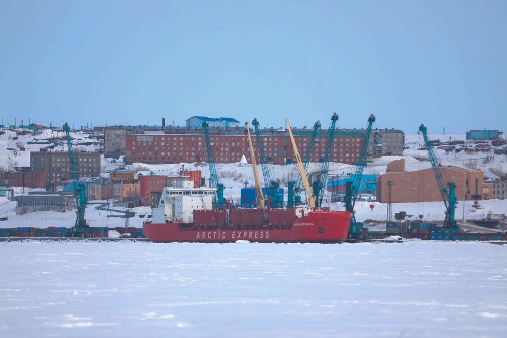 Ледоход в Дудинке ждут к 3 июня. Пока кромка льда на расстоянии 1,4 тыс. км от города.