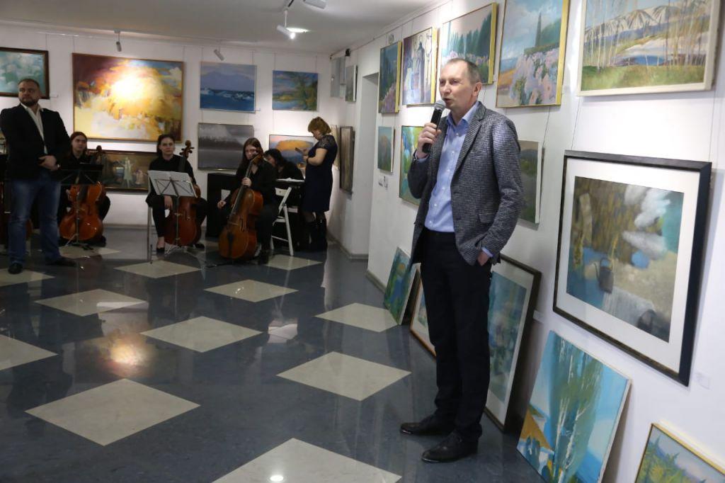 В норильской PolArt-резиденции открылась выставка живописных работ Юрия Афононова и Елены Афоновой.