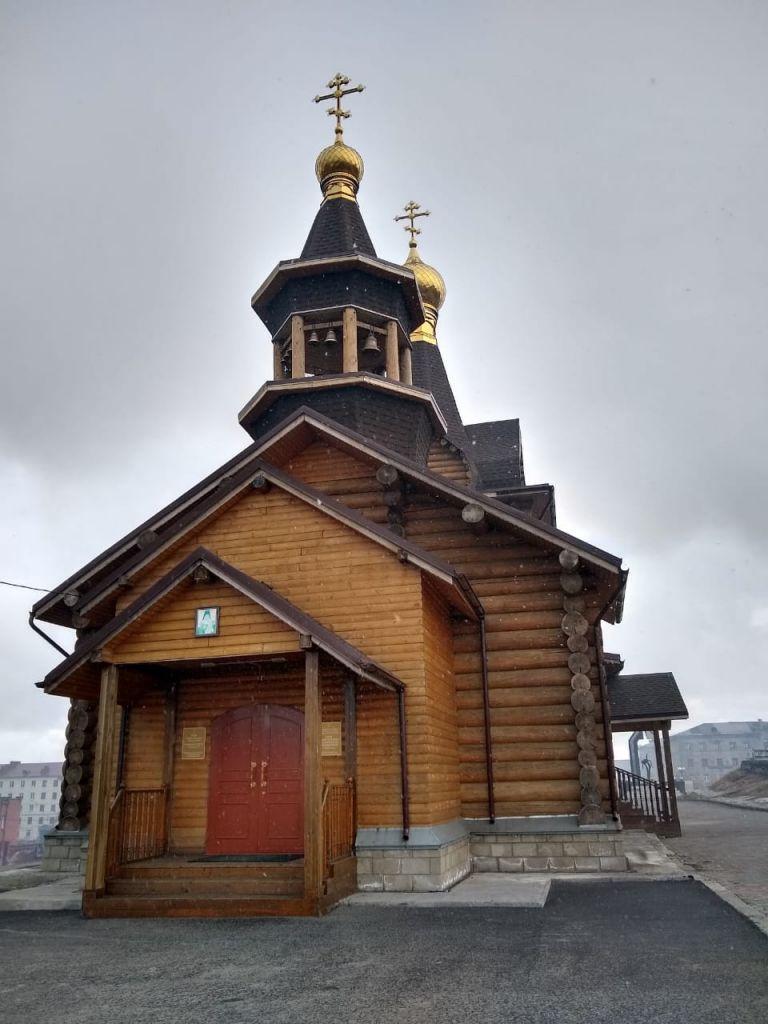 В норильском храме в честь Святителя Луки (Войно-Ясенецкого) 11 июня отметили престольный праздник.