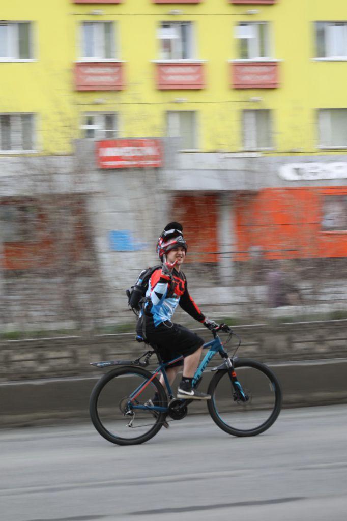Руководитель норильской Госавтоинспекции встретился с норильскими велосипедистами.