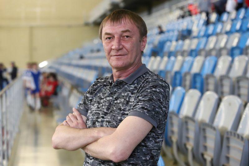 У футбольного клуба «Енисей» новый главный тренер. Им стал Александр Алексеев, ранее работавший с молодёжной командой.