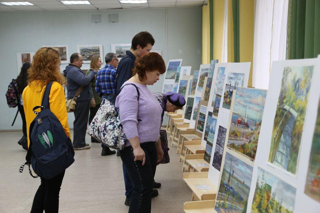 Две недели есть у ценителей живописи, чтобы увидеть выставку работ участников проекта «Норильский пленэр: перспективы мастерства».