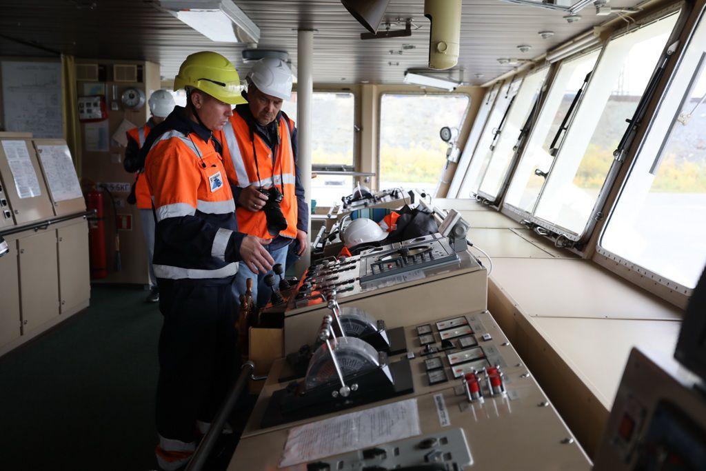 После годичного ремонта в порт Дудинки прибыл ледокол «Авраамий Завенягин».