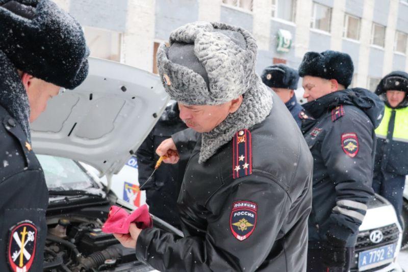 Начальник норильской полиции оценил состояние вверенного подразделению автотранспорта.