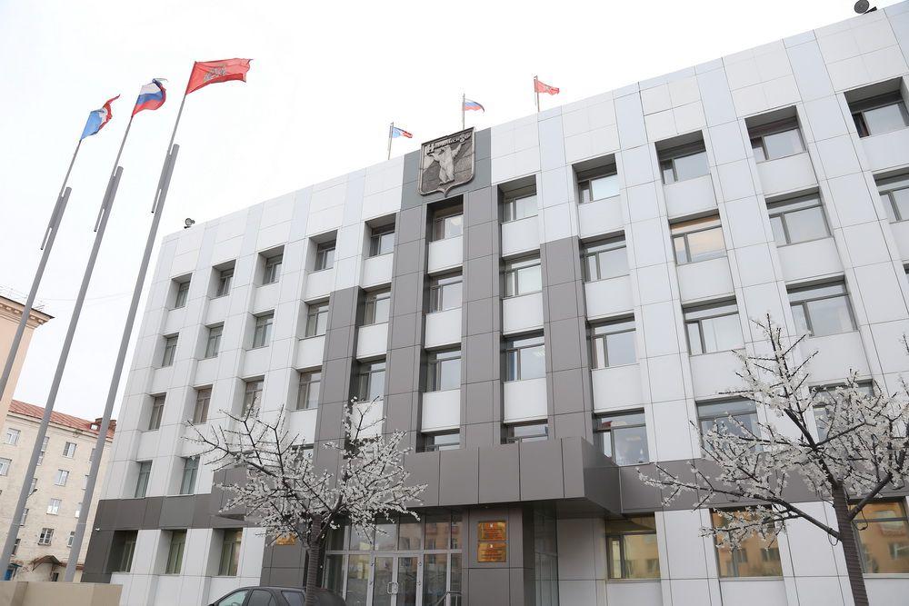 Состоялись публичные слушания по внесению изменений в Устав Норильска.