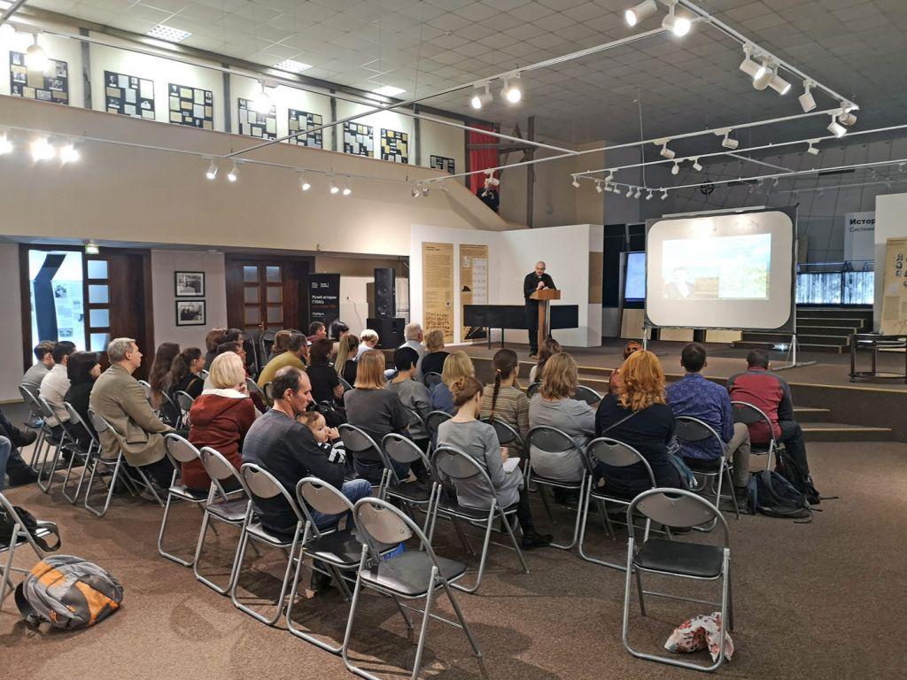 Завтра, 19 октября, в 12 часов в Музее Норильска состоится последняя защита дипломов выпускников школы краеведа. Приглашаются все заинтересованные слушатели.