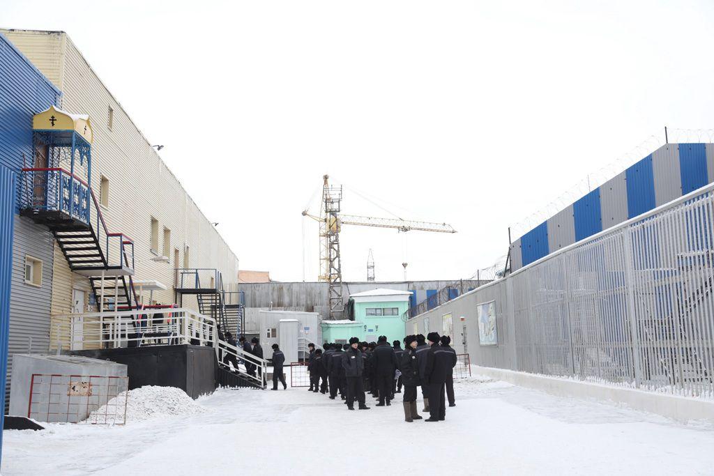 В норильской колонии мобильных телефонов нет ни у сотрудников, ни у заключённых. Так прокомментировали в ИК-15 новость о том, что в колониях будут «глушить» сотовую связь.