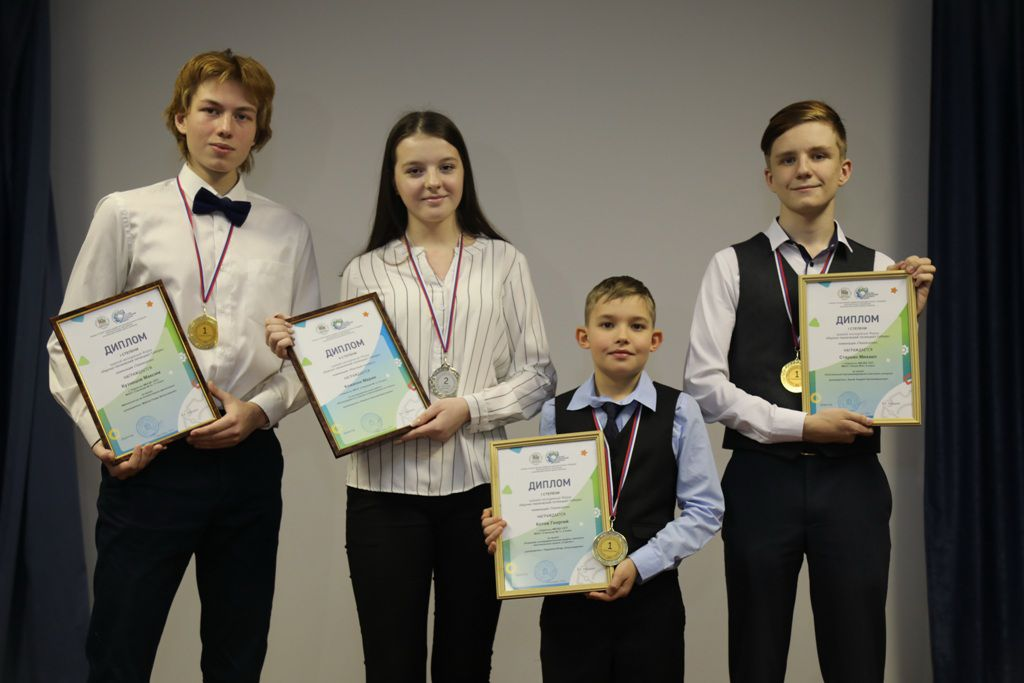 Норильчане вернулись с краевого молодёжного форума «Научно-технический потенциал Сибири». У нашей команды - три золота и одно серебро.