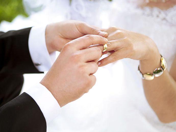 Красноярцам разрешили жениться в интернете.