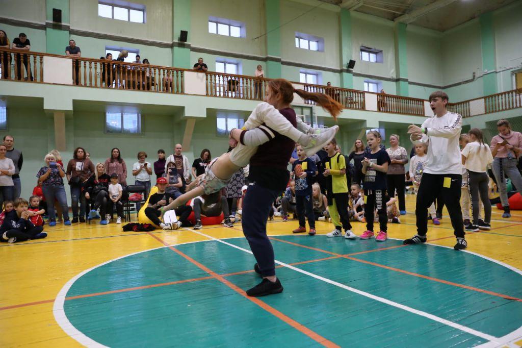 Норильские танцоры и спортсмены заставили улицы двигаться. В Центральном районе прошёл первый Региональный фестиваль уличного спорта и культуры «Движение улиц».