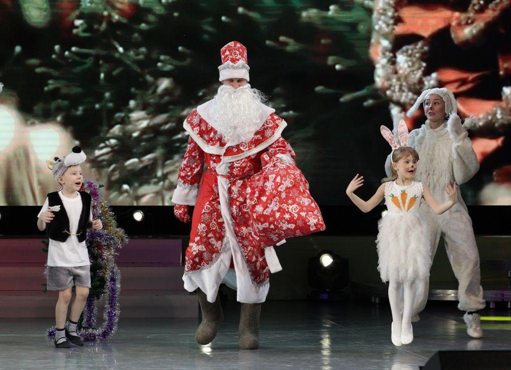 Бригады Дедов Морозов и Снегурочек готовы к новогоднему марафону.