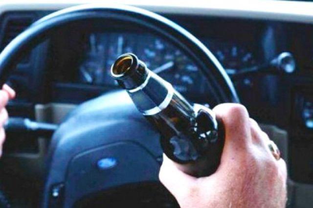 Пьяные водители могут остаться без машин: ГИБДД поддержало идею конфисковывать автомобили у тех, кто повторно сел за руль в нетрезвом виде.