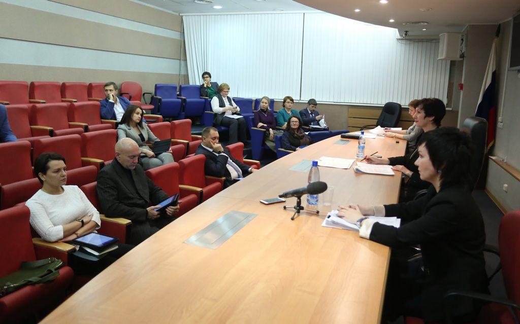Норильские парламентарии обсудили увеличение подъёмных врачам до полумиллиона рублей.