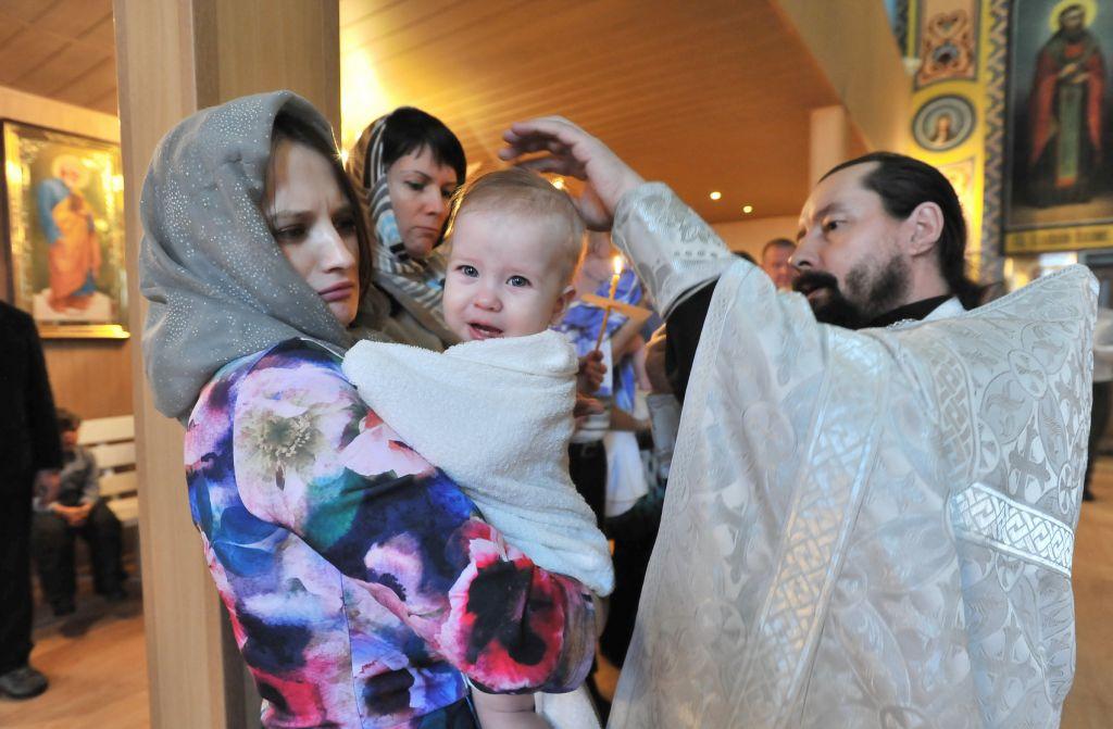 Синод Русской православной церкви разрешил крестить детей под именами иностранных святых, почитаемых в любой из поместных православных церквей.