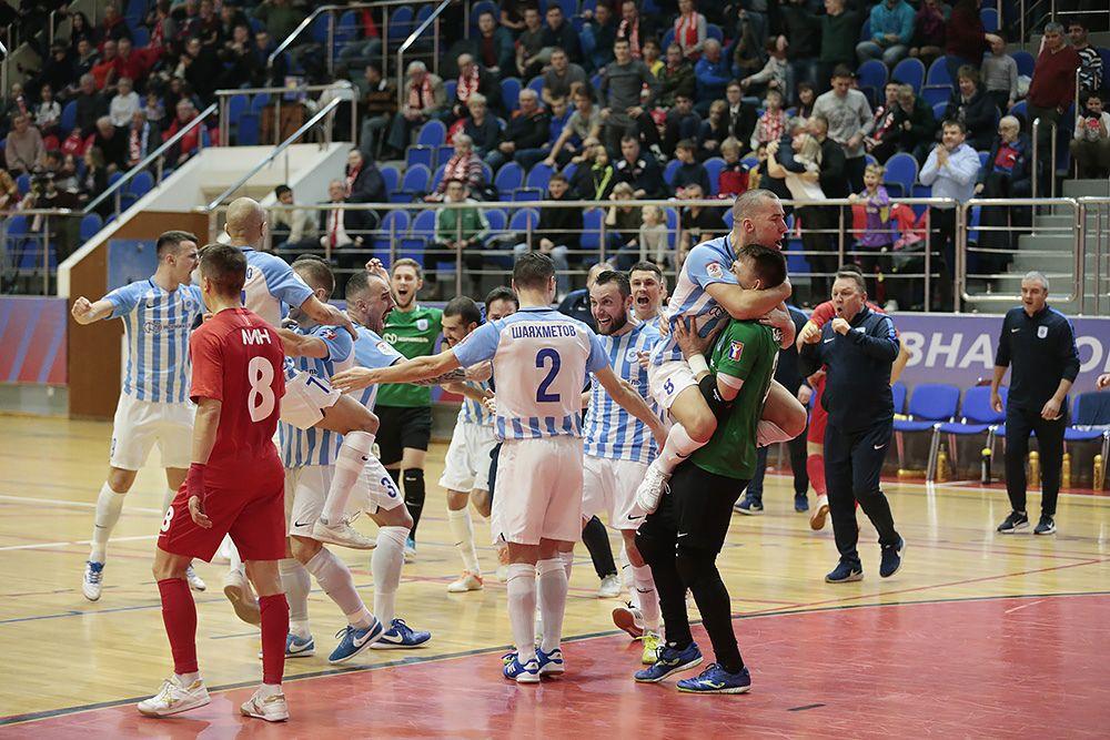 «Норильский никель» одерживает волевую победу и выходит в полуфинал Кубка России по мини-футболу.