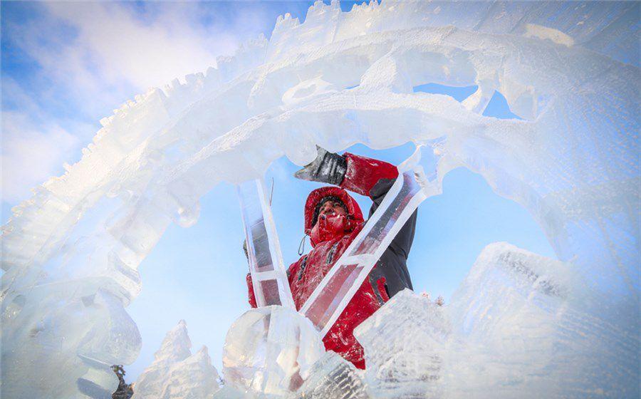 «Волшебный лёд Сибири» открывается сегодня на набережной Енисея.