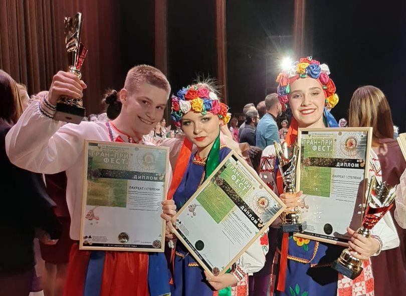 «Талнахский перепляс» отличился на международных творческих конкурсах в Санкт-Петербурге и Москве.