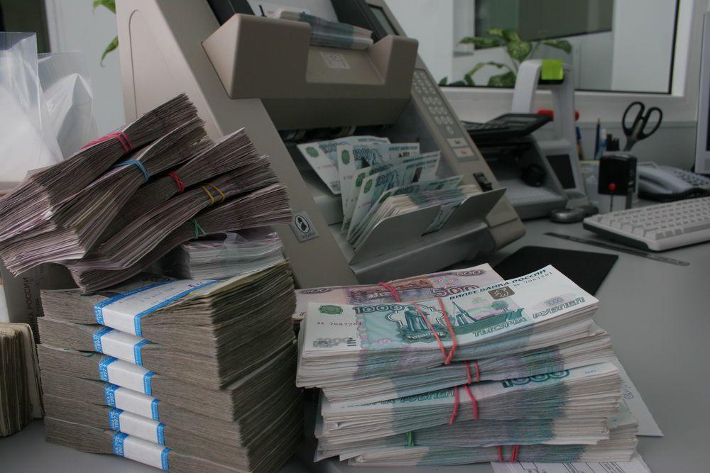 65% жителей Красноярского края недовольны зарплатой.