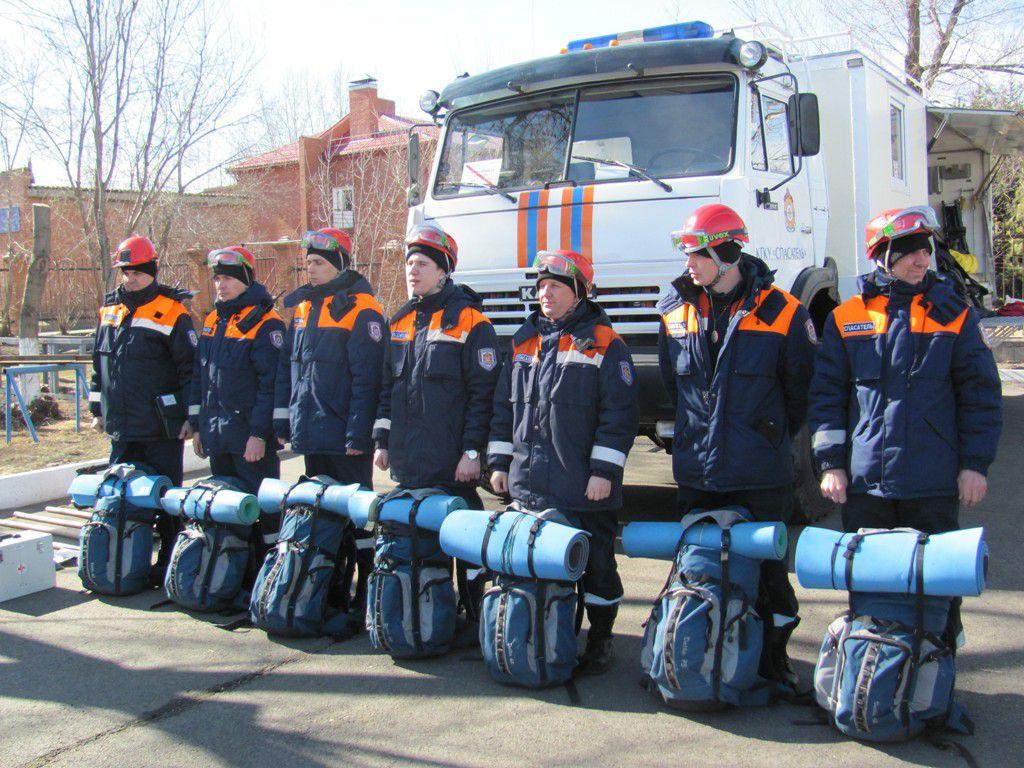 В Красноярске прошёл смотр готовности техники и личного состава спасателей к прохождению предстоящего паводка.