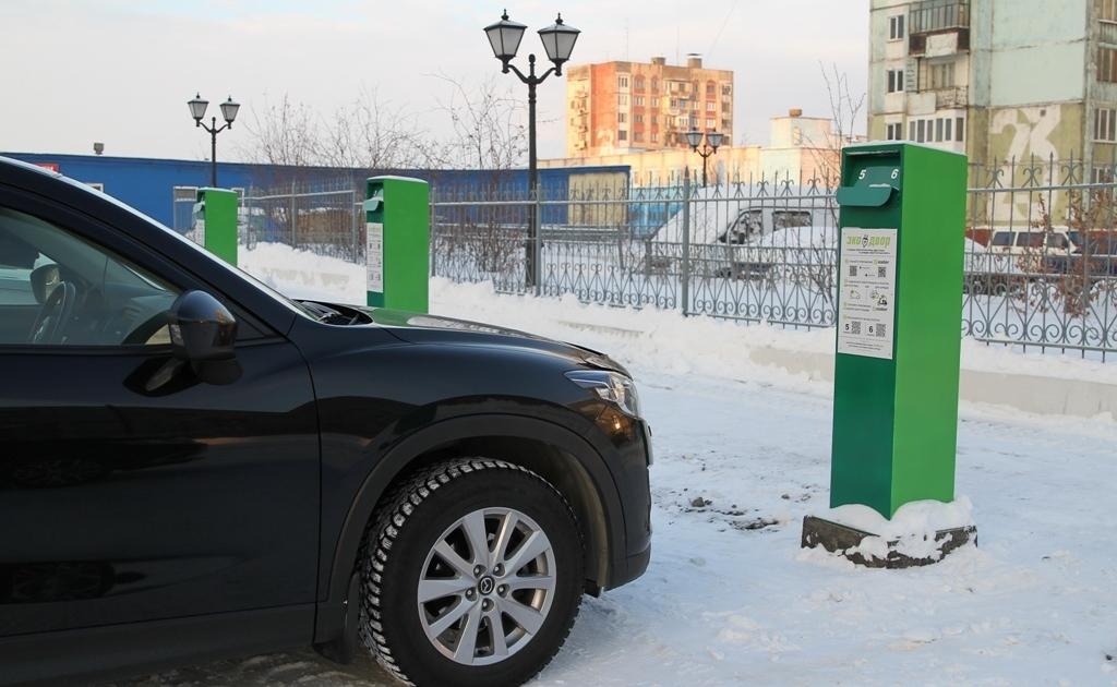 Норильчан просят не загораживать парковку с электроподогревом двигателей