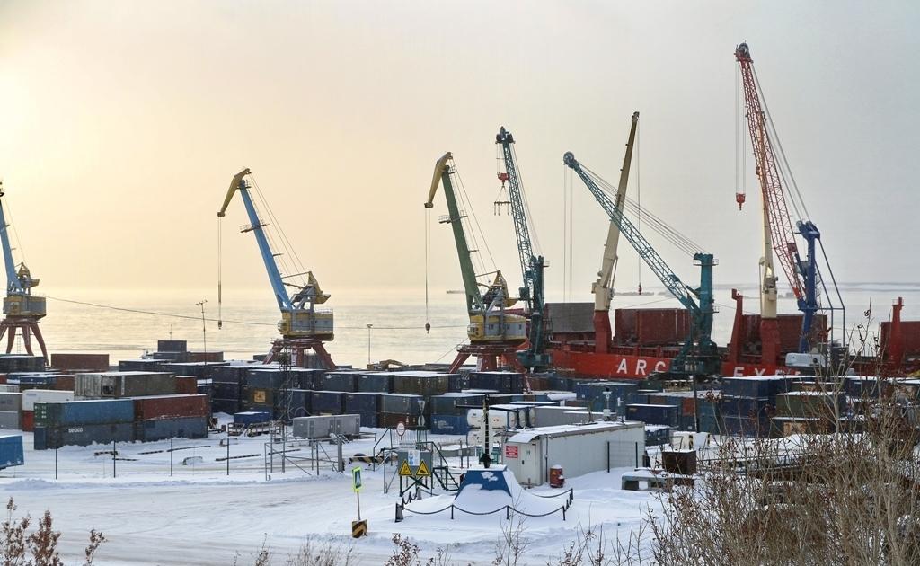 Заполярный транспортный филиал «Норникеля» обновляет парк портовых кранов