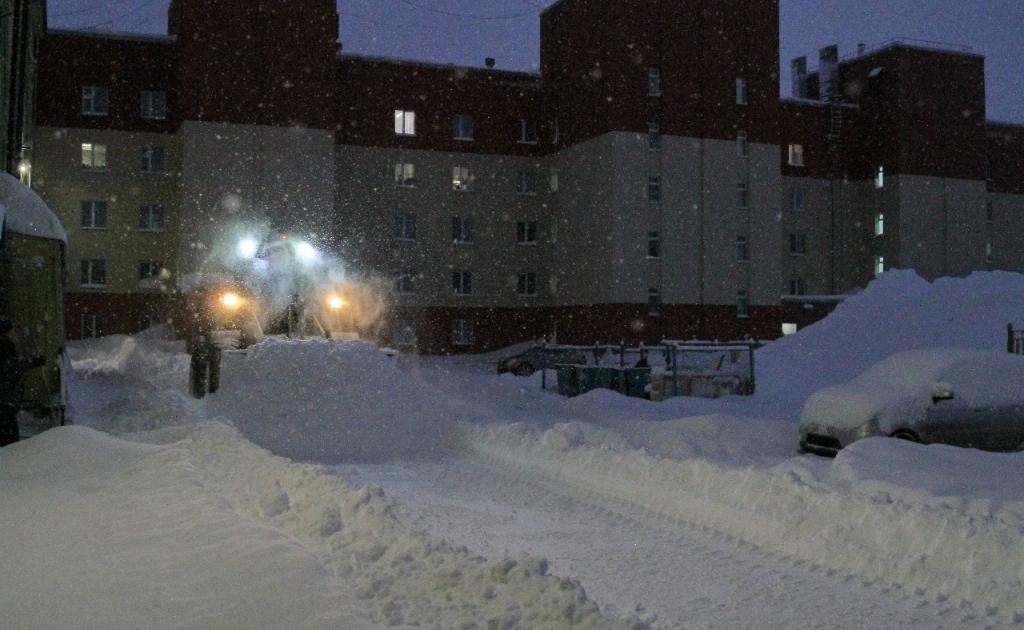 Последствия сильных снегопадов в Талнахе устранены на 70%