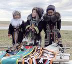 В костюмах местных жителей — идеи для будущей сувенирной продукции