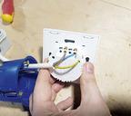 Если в розетке три провода, значит, в ней есть «ноль»