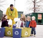 В Европе сортировка отходов — неотъемлемая часть жизни. Даже маленькому ребенку не придёт в голову выбросить обёртку в не предназначенный для неё контейнер. Во–первых, потому что за неправильную сортировку грозят немалые штрафы, а во–вторых, потому ч