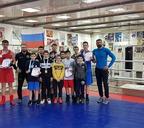 Норильские боксёры на пятёрку выступили на двух проходящих параллельно краевых турнирах