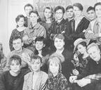 Олег Ларин (верхний ряд в центре) с участниками театра-студии «Призвание». Норильск, начало 1990-х