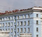 Пандемия помешала устранению последствий весеннего шторма, но к зиме жильцы пострадавших домов без крыши не останутся