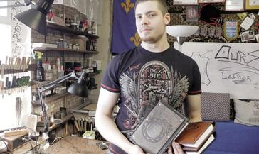 Каково быть наследником старых мастеров в век цифровых технологий, знает норильчанин Кирилл Гагарин