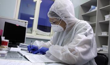 Правительство РФ выделило более 46 млрд рублей на выплаты медикам из «красной зоны»