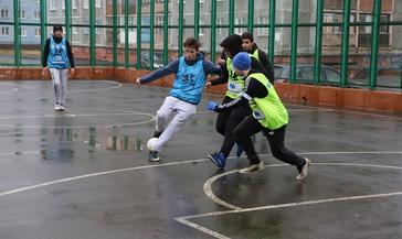 Первый турнир по дворовому футболу в рамках проекта «Спорт в каждый двор» прошёл на площадке у школы № 21
