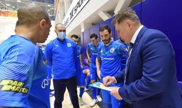 Мини-футбольный клуб «Норильский никель» провёл два контрольных матча с «Сибиряком»