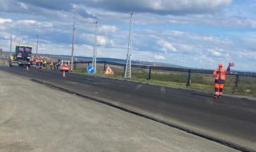 На дороге Норильск-Алыкель начали укладывать новый асфальт