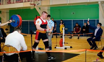 Норильский силач Борис Скрипко стал бронзовым призёром чемпионата и первенства России по пауэрлифтингу
