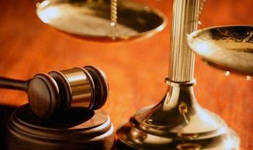 """В Норильске суд рассмотрел уголовное дело по факту конфликта на парковке ТРЦ """"Арена"""", закончившегося поножовщиной."""