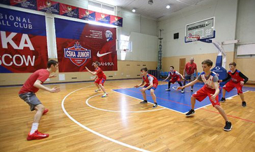 Норильские баскетболисты перенимают опыт выдающихся спортсменов. «Норникель» организовал в столице края лагерь CSKA juNior.