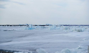 Подвижка льда отмечена в поселке Потапово. До Дудинки ледоходу осталось преодолеть 200-250 км.